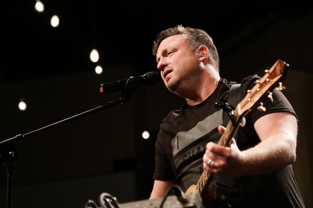 Shane Everett Singing 1